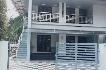Furnished 3 BHK AC house near LuLu Mall,Edappally