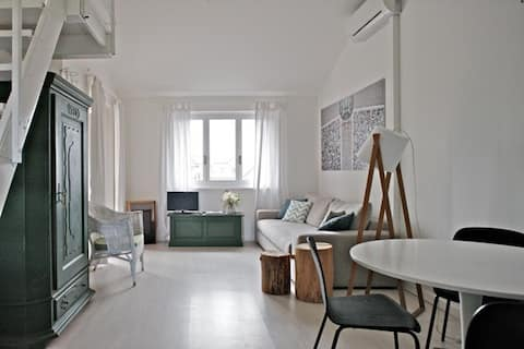 Charming apartment, with a terrace on the fjord