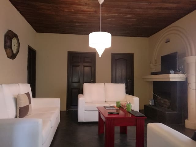 Very nice house only 7 minutes to Antigua