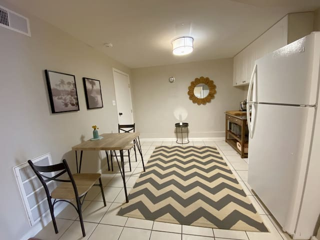 Entry/kitchenette space