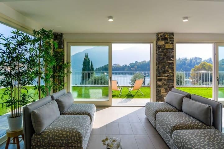"Brand New Villa ""The View"" on Lake Como"