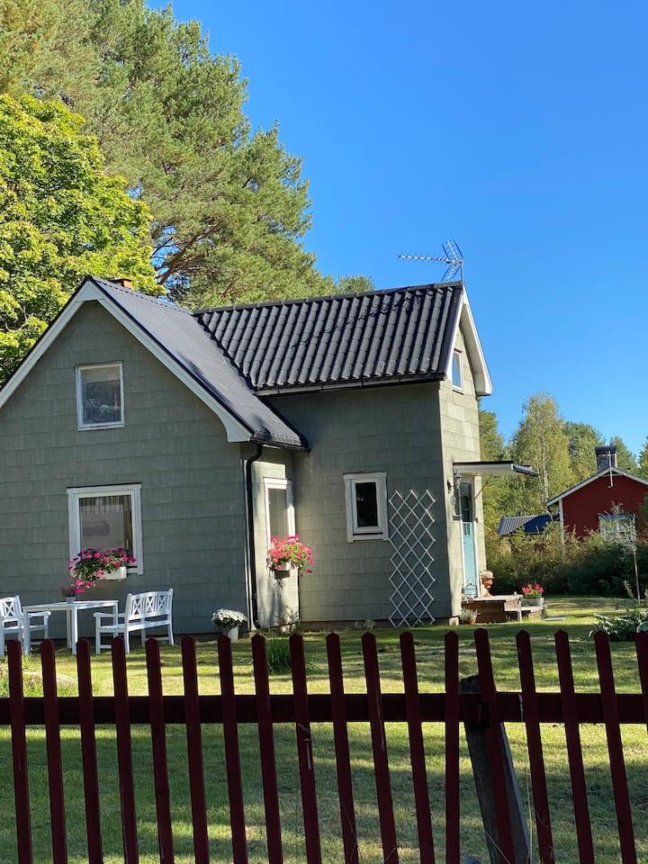 Underbar charmig stuga i Nyhed, Sandarne