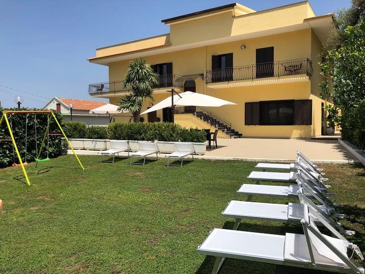 Villa Cinque (Room Positano)