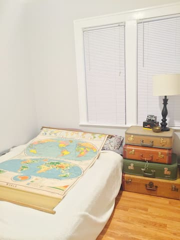 Cozy Bungalow - Room for 1 or More - Ferndale - Ev