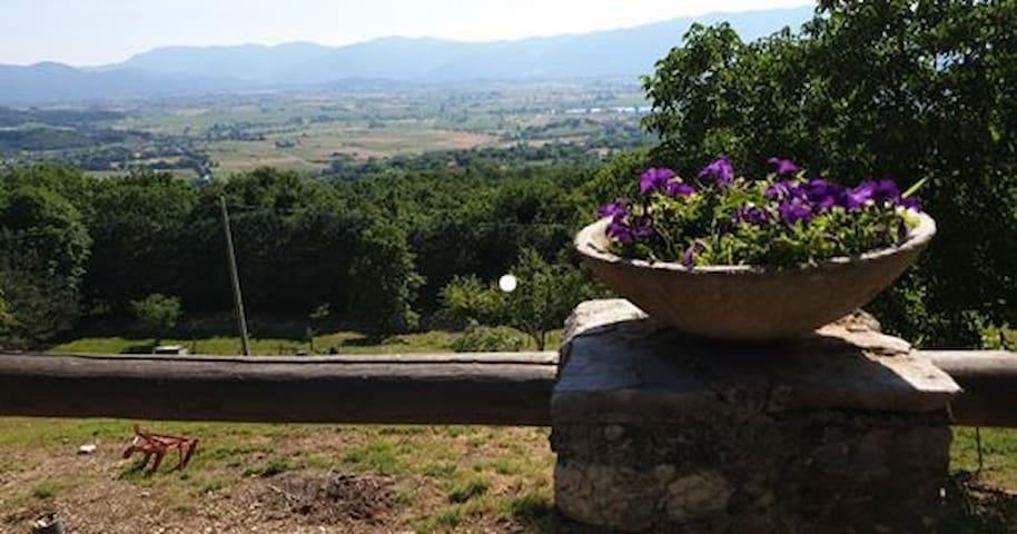 Villa con vista in centro Italia