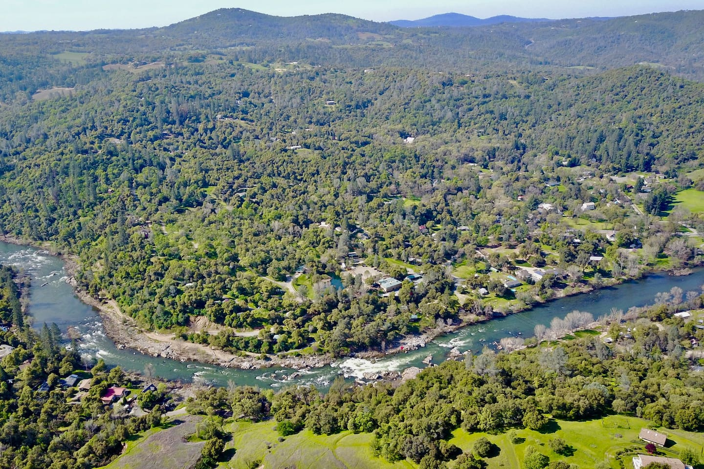 American River Resort
