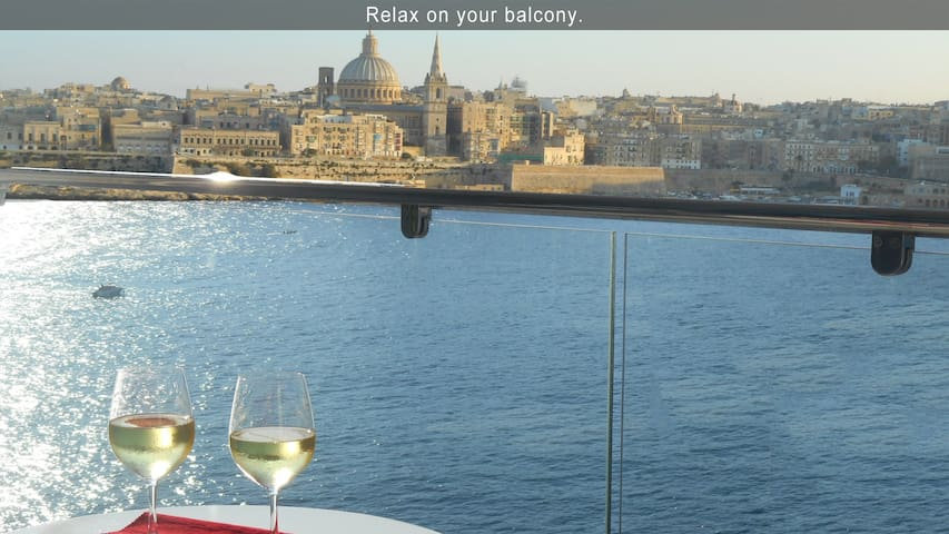 PAM1-6 · 6* Your Sea Views - 3 bedroom Apartment Malta