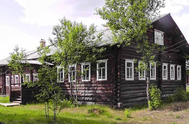 Дача в сосновом лесу на севере России