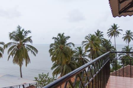 Villa Tidina- R103 with Sea- View - Dona Paula