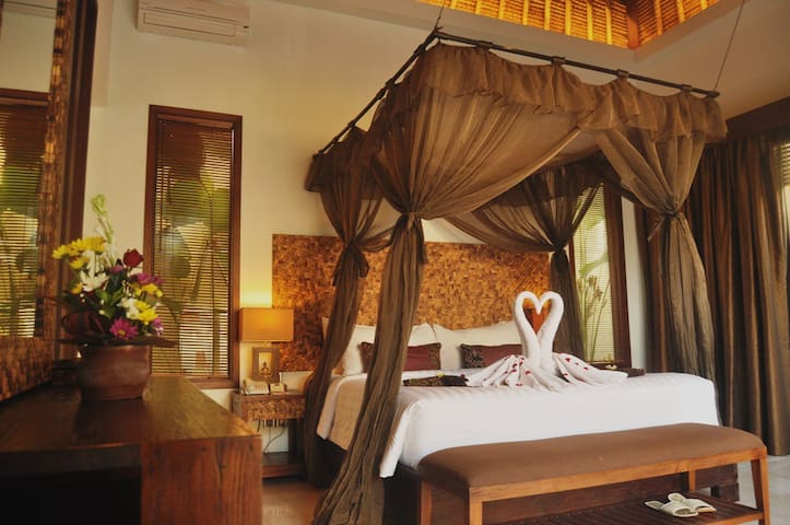 Romeo & Juliet Villa at Mahagiri Villas Dreamland