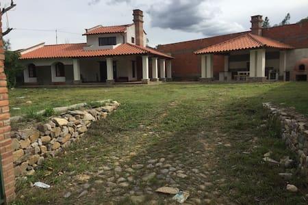 Casa Campestre en Tarija - La Victoria