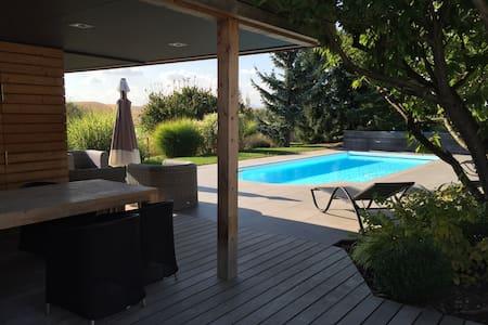 Maison au calme avec piscine - Wissembourg - House