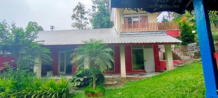 Comfy Villa at Hotel Anita Baturaden
