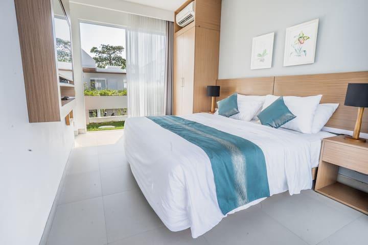 Bedroom 1 1 king bed with ensuite bathroom