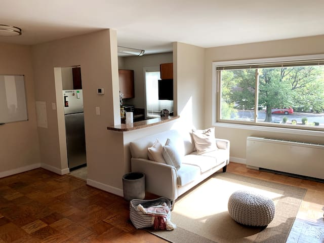 Private Apt. Close to DC and Metro/Great Location