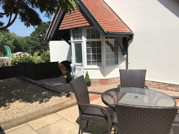 Luxury Cottage, Close to Beach, Great Walks.