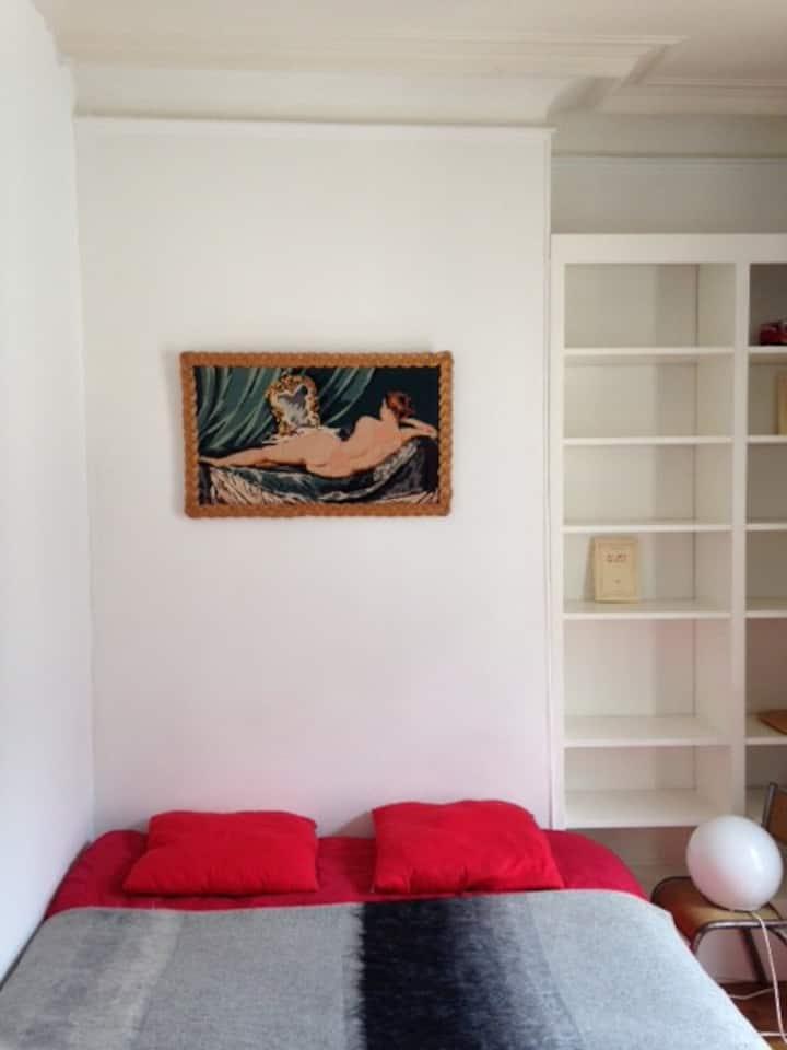Romantic room Montmartre 50m Sacré Coeur