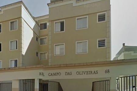 Apartamento bem localizado em Floradas de São José