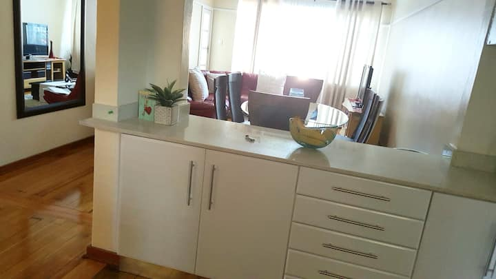 1 bed in an apartment, Glenwood.