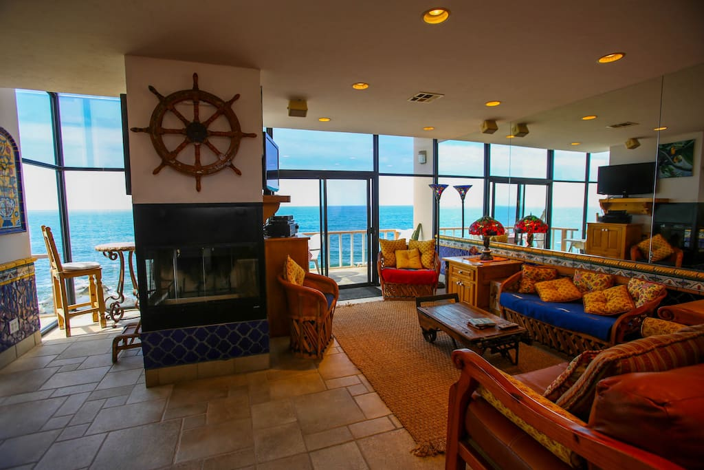 Living room area with perfect views of the ocean!