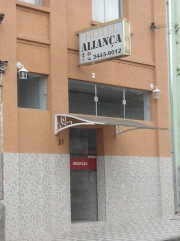 """Hotel Econômico no centro de Limeira, """"Agradável"""" - Limeira - Domek gościnny"""