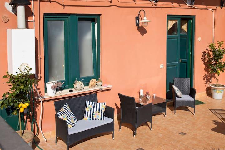 Cozy Apt between Sorrento and Positano. - Piano di Sorrento  - Daire