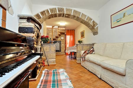 Bright Independent Country Home in Medieval Borgo - Mazzano Romano - Huoneisto