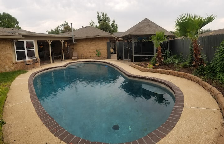 Plantation Hills - 3/2 POOL/office/grill/RO/patio