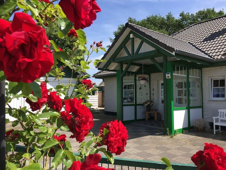 Ruhige naturnahe Ferienwohnung mit Gartennutzung