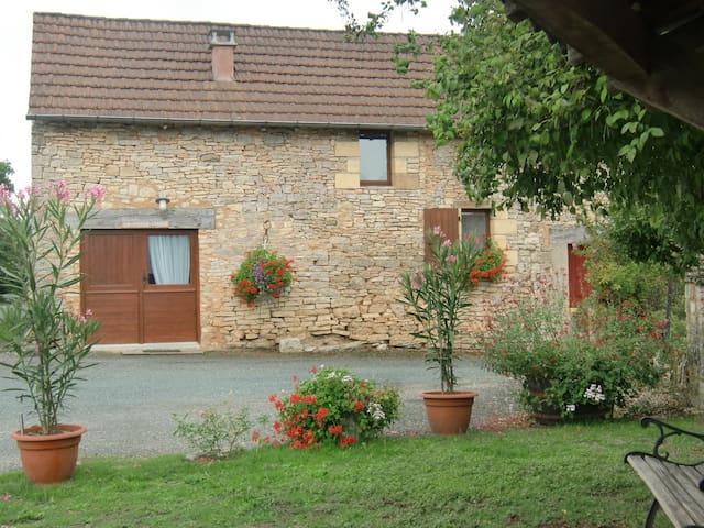 """""""La Vieille Grange"""" gîte au coeur du Périgord Noir"""