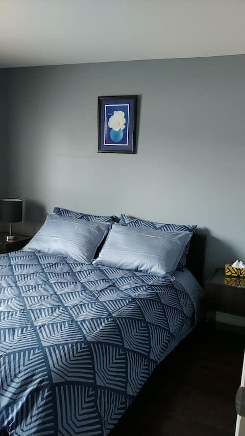 Chambre  sympa et confo / Charming & Comfy Bedroom
