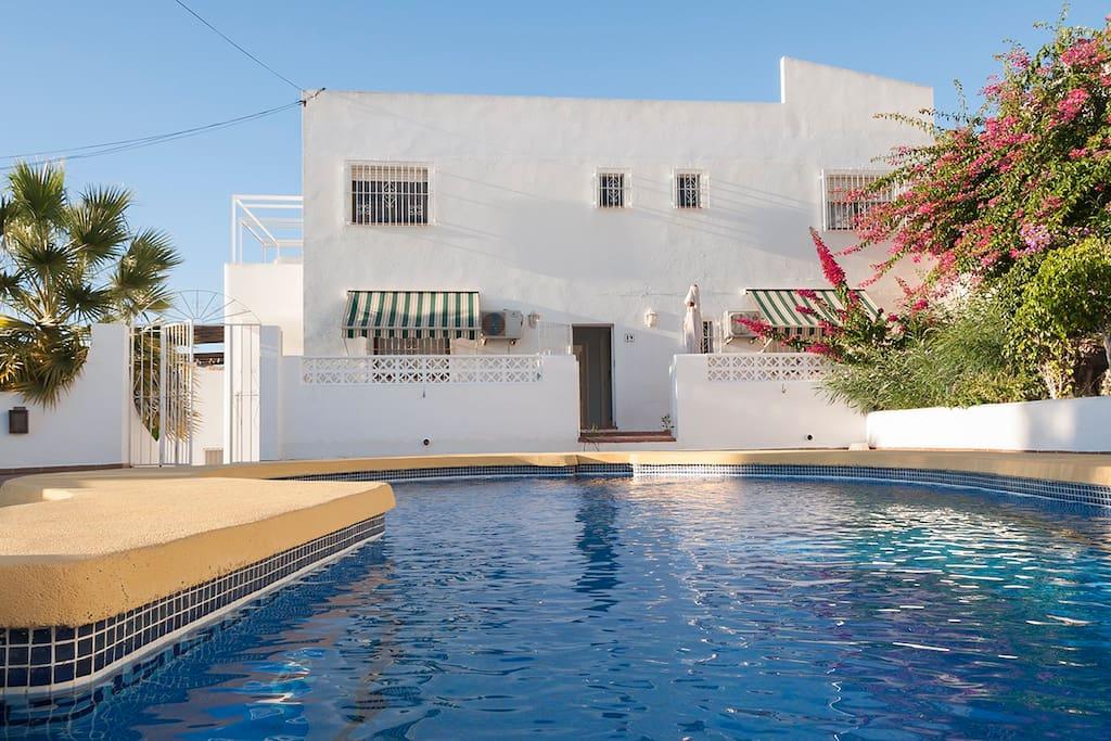 San jos almer a la casa de la piscina apartments for - Casas en san jose almeria ...