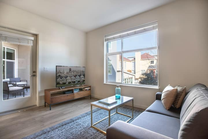 Dreamy Hillsdale 2BR w/ Gym, BBQ by Caltrain and Shopping by Blueground