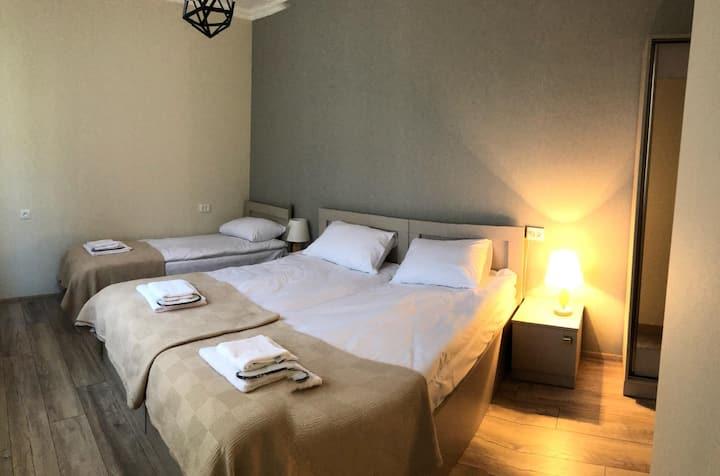 Baqari Inn - Bedroom#1