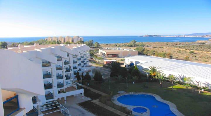 Très bel appartement avec solarium privé + piscine