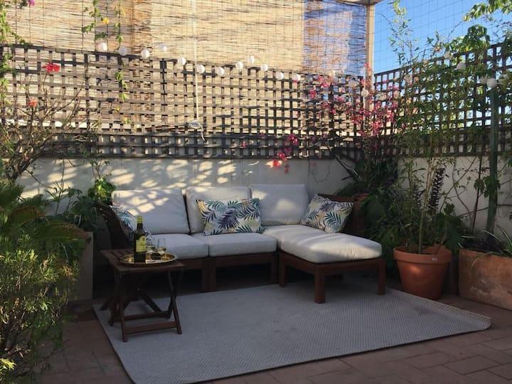 Preciosa habitación con terraza ajardinada común 3