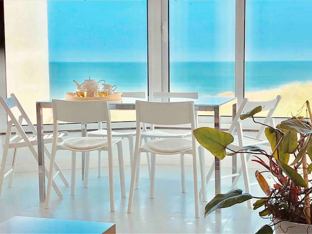Baleal Beachfront Apartment