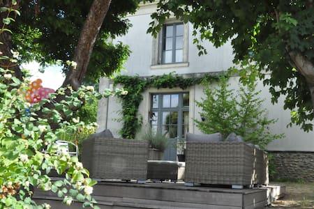 Belle maison de maitre en Anjou - Brion - Rumah