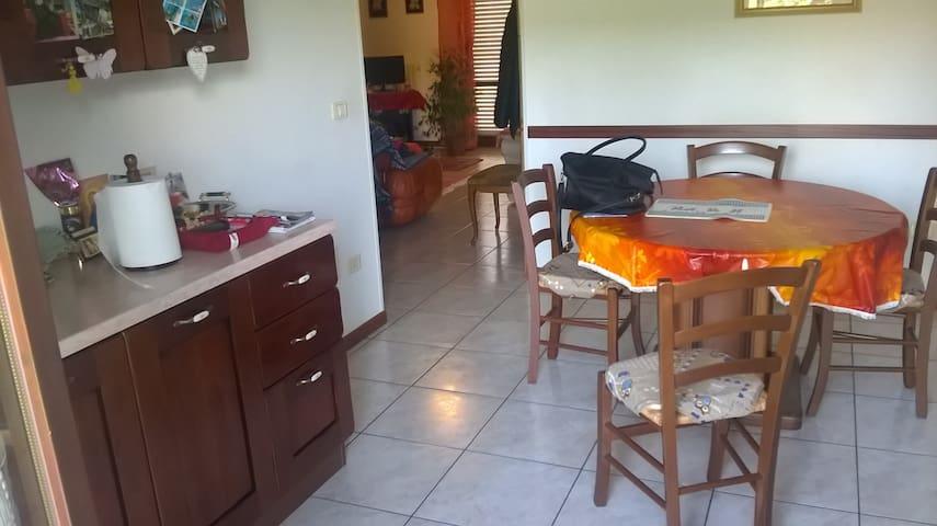 affittacamere  A UN PASSO DA MARE E MONTI - Serra San Quirico - Flat