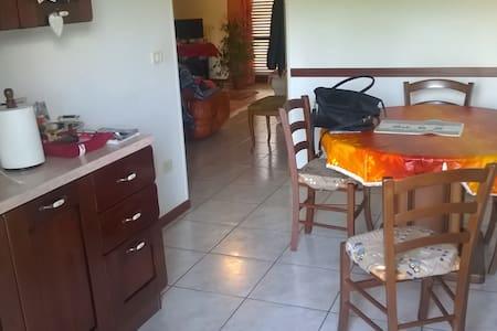 affittacamere  A UN PASSO DA MARE E MONTI - Serra San Quirico - Huoneisto