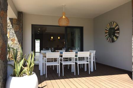 Villa 3 chambres, 6 pers, 3 Sdb, Piscine privée - Grand Baie