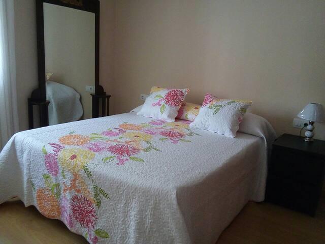 Habitación Calida, confortable y limpia