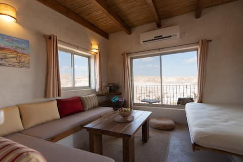 1 Bedroom apartment with mountains view