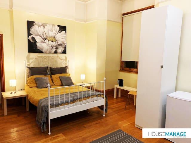 Beautiful Large En-suite