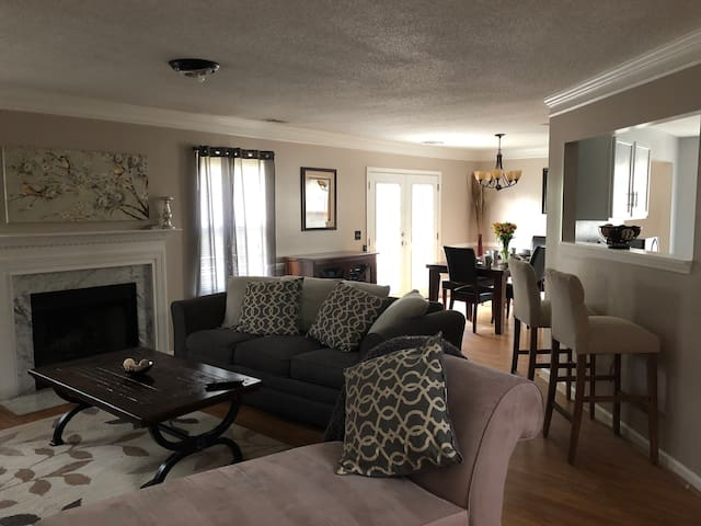 Beautiful two-story home minutes from the airport