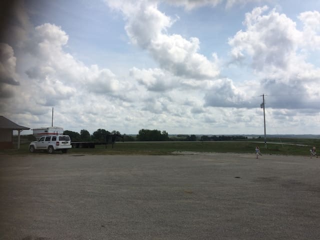 Total Eclipse-6 Lots for Camper/RV+2 RVs for rent
