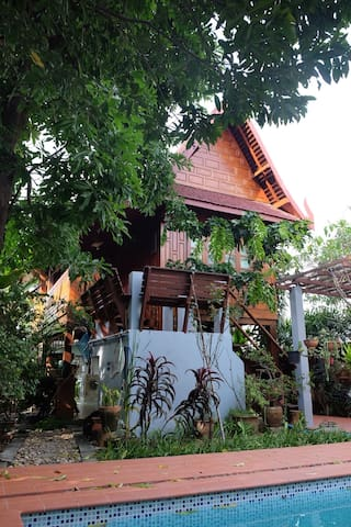 Peaceful Thai house stay