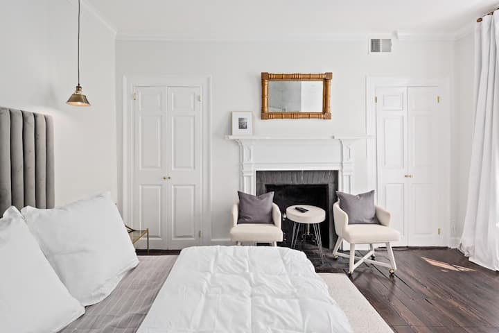 ★Historic Harrison Room -The George of Old Town★