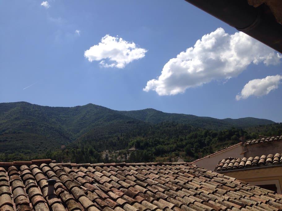 Les collines de Félines face vues de l'appartement