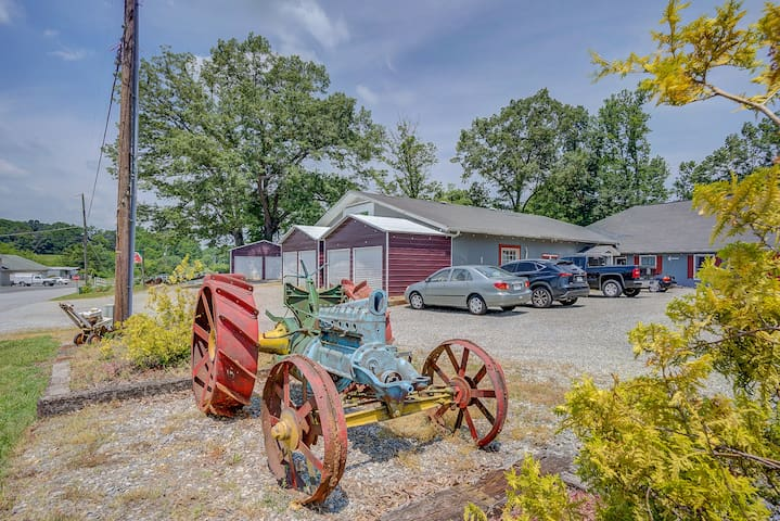 RM#2 BarnLodge Farmstay Local Authentic Experience